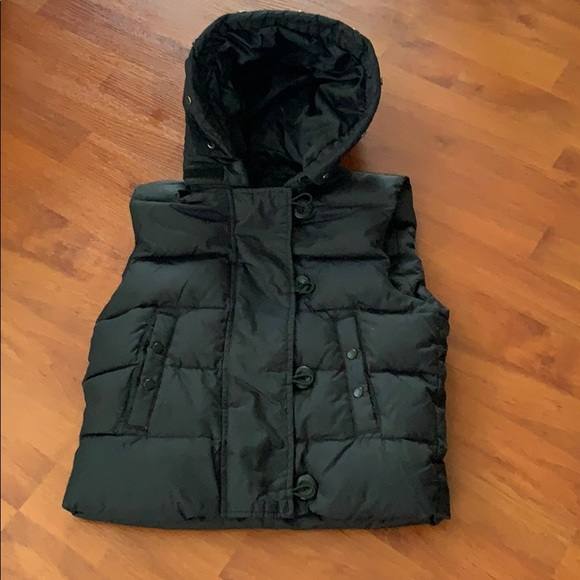 GAP Jackets & Blazers - Gap puffer vest w hood- Xs
